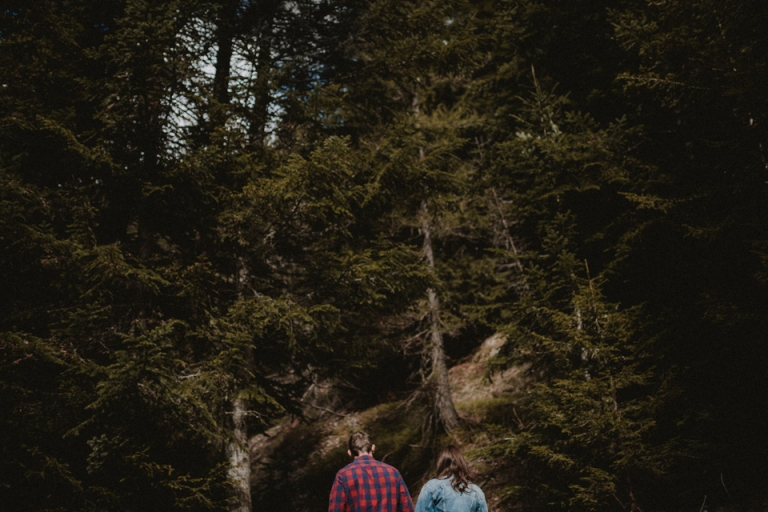 seance-couple-love-session-montagne-foret-alpes-maritimes-3